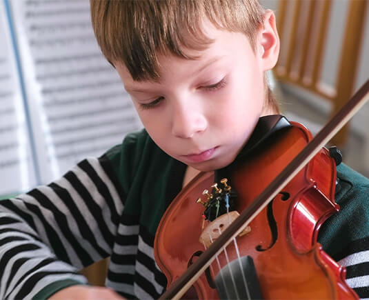 boy-playing-violin (1)